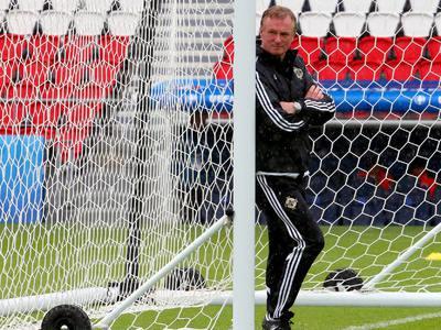 Наставник сборной Северной Ирландии наказан за пьяную езду