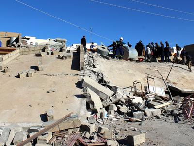 """""""Здание тряслось, как карточный домик"""": очевидцы рассказали о панике во время удара стихии"""