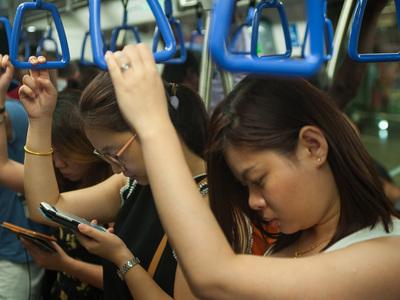 В результате столкновения поездов в сингапурском метро пострадали 28 человек