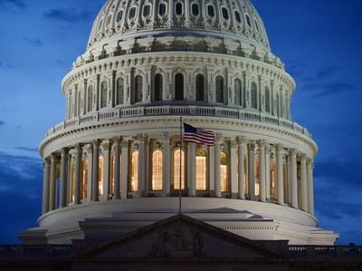 Республиканцы провели закон о налоговой реформе США