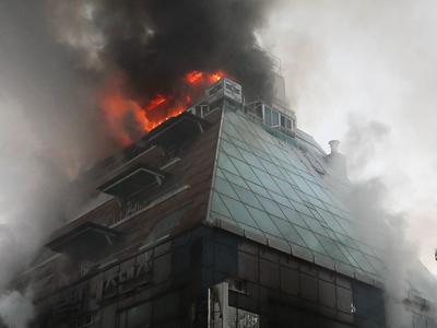 Число жертв пожара в Южной Корее выросло до 29 человек