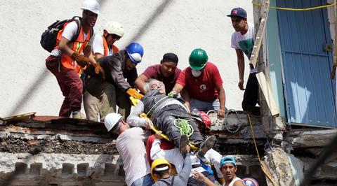Мексика: под обвалами обнаружились новые жертвы землетрясения