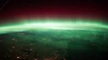 Полярные сияния — результат взаимодействия магнитного поля Земли с солнечным ветром