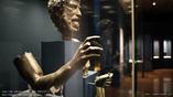 Одна из бронзовых статуй, обнаруженных на месте крушения Антикитерского корабля. Фото: namuseum.gr