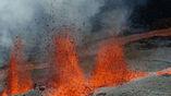 Мантийные плюмы питают вулканы, удалённые от стыков тектонических плит.