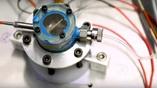 Графен планируется использовать в петлевых трубах, которые нужны для переноса тепла и защиты электроники от перегрева.