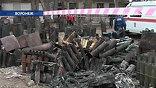 Спасатели, ремонтные бригады, милиция и добровольцы работали всю ночь, и в четверг весь день на месте взрыва велись восстановительные работы