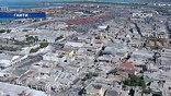 По некоторым оценкам, с лица земли стерто 70% города. Мобильная и стационарная связь работает с перебоями, нет и электричества