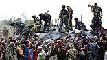 Люди из южной части Киргизии бегут не только от стреляющих в них экстремистов, но и от голода. Транспортные самолёты в аэропорту Оша забирают в Бишкек по несколько сотен беженцев.
