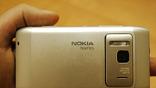 """""""Со спины"""" Nokia похожа на любительский цифровой фотоаппарат."""