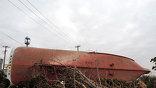 """Утром на четвёртом блоке АЭС """"Фукусима-1"""" (в хранилище отработавшего ядерного топлива) произошёл пожар, затем на втором блоке - сильный взрыв. Повреждена оболочка реактора. Уровень радиации уже превысил норму."""