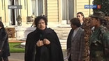 С уходом Каддафи воевавшие 8 месяцев повстанцы, оставшись без единого врага, могут начать выяснять, кто больше сделал для революции, и что за это им теперь положено