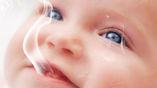 Ребёнок подвергается воздействию табачного дыма, из-за чего развивается неправильно