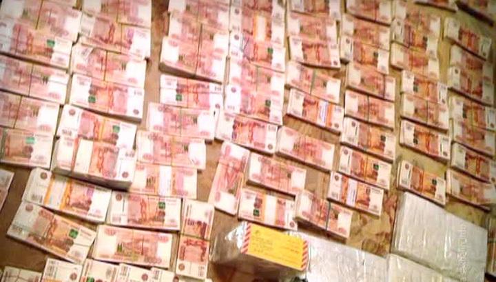 """Приезжие """"пообедали"""" с московским мошенником за 35,5 миллионов"""