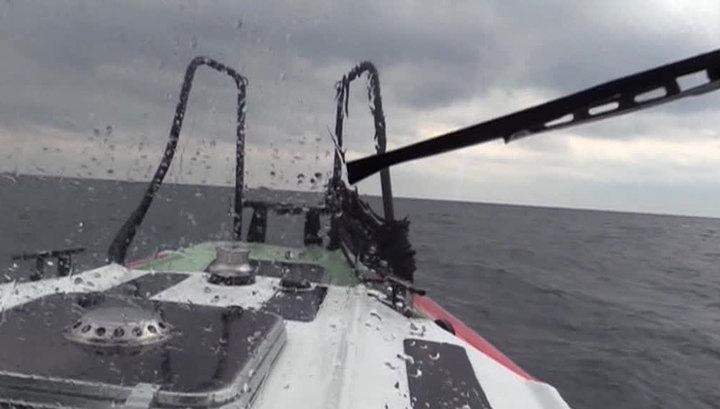 В Черном море перевернулось прогулочное судно, пропали люди