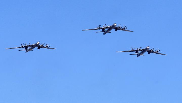 Американские истребители сопроводили российские ракетоносцы