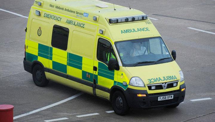 Машина въехала в британский клуб: ранены 13 человек