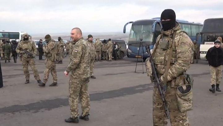 Помилованную Порошенко женщину передали в Донбасс