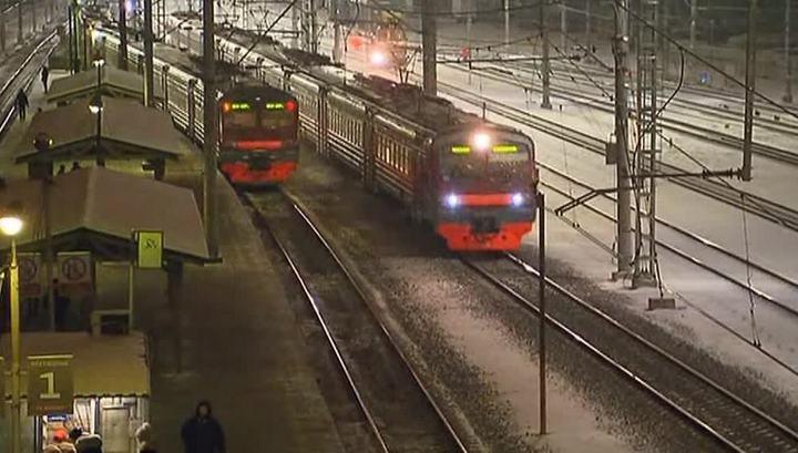 Трое мужчин избили и изнасиловали женщину в электричке Москва - Тверь