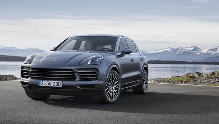 Названы российские цены на новый Porsche Cayenne