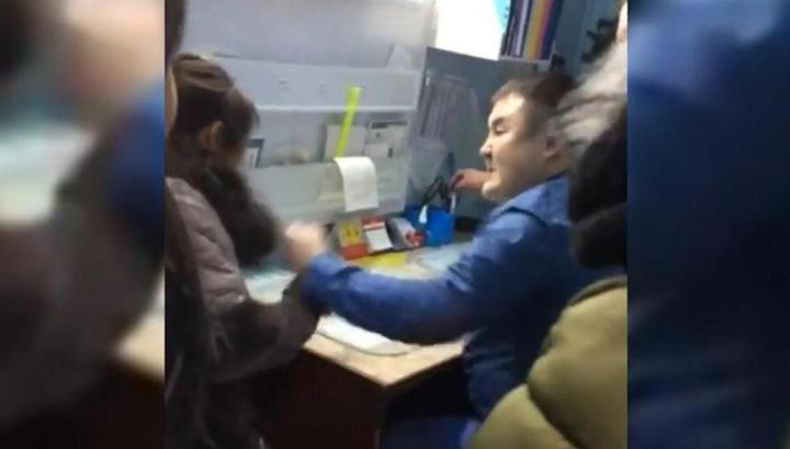 Дважды напавший на девушку якутский врач ранее избил свою жену