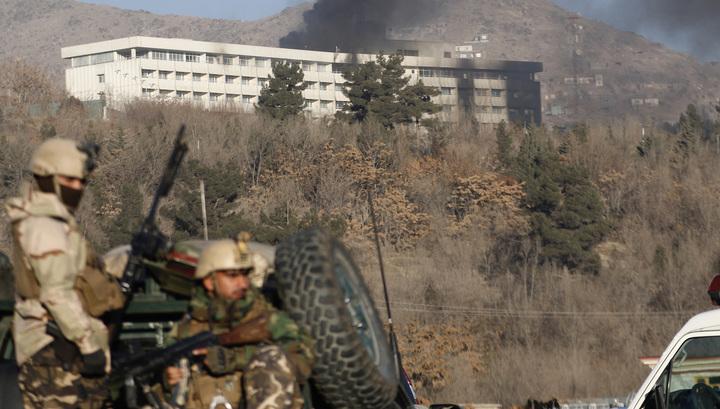 Число жертв атаки на кабульский отель возросло до 43