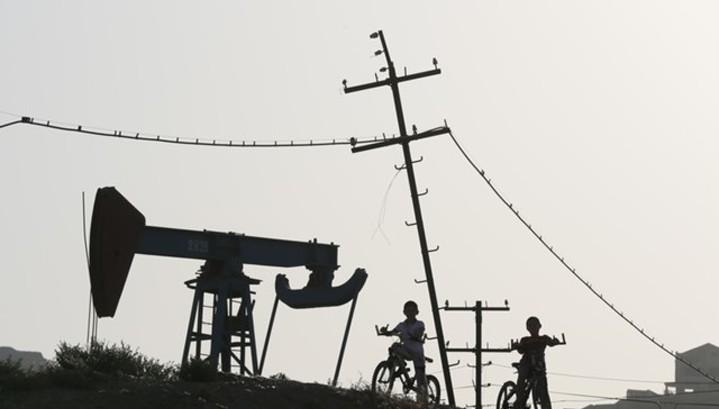 Прогноз: нефть примерится к сезонности