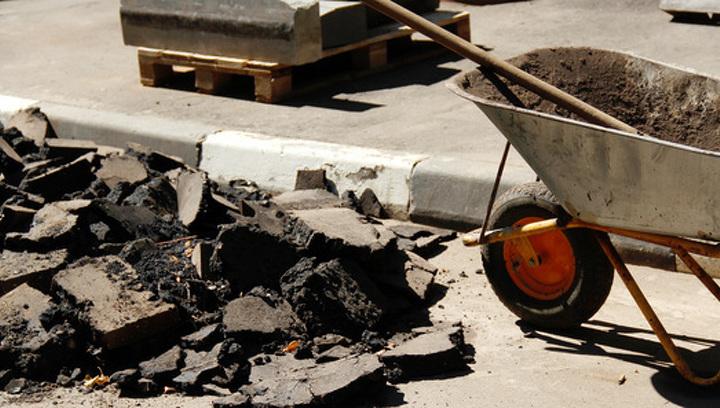 В Москве власти советуют не бояться ямочного ремонта зимой (так задумано)