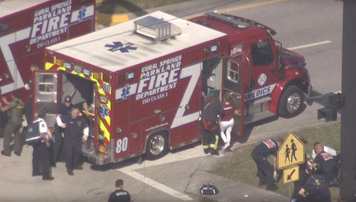 СМИ: число жертв стрельбы в школе Флориды выросло до 16