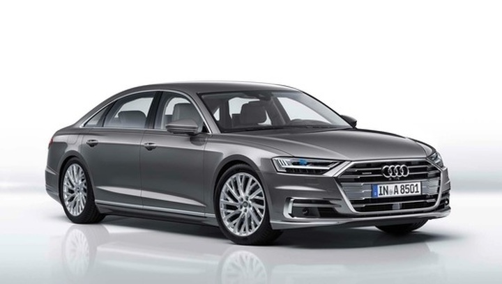 Названы российские цены на флагманский седан Audi A8