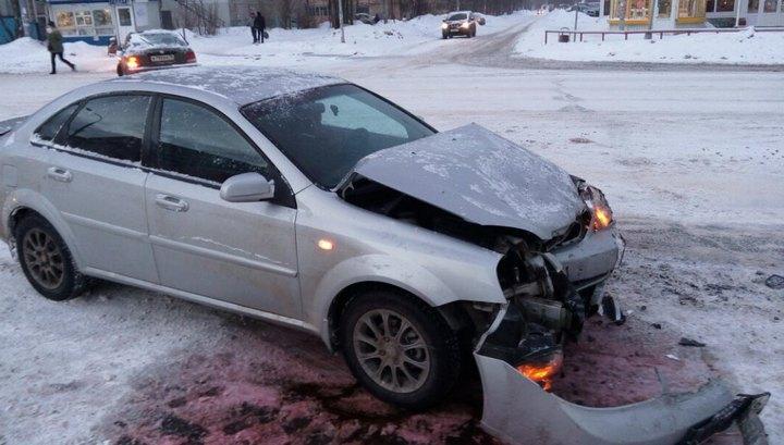Попавшая в аварию машина едва не влетела в толпу пешеходов в Рыбинске