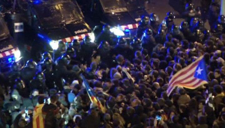 Стычки с полицией в Барселоне: число пострадавших возросло до 35
