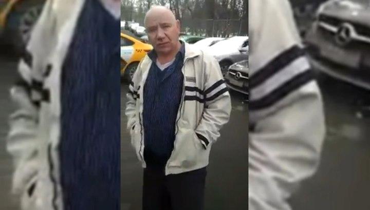 Прохожие остановили и отобрали ключи у пьяного таксиста в Москве