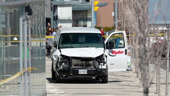 Водитель-убийца из Торонто оставил странное сообщение за несколько минут до трагедии