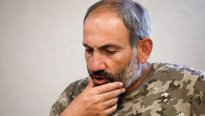 В Ереване сторонники главы правительства заблокировали суды