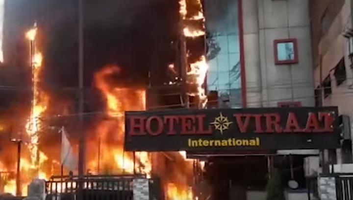 В Индии из-за неисправной проводки дотла сгорели две гостиницы