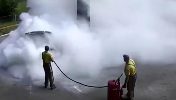 Сотрудники АЗС под Киевом оперативно справились с возгоранием топлива