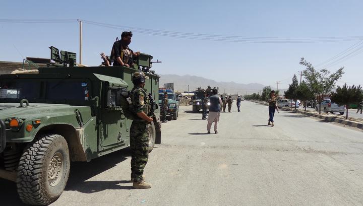"""Десятки убитых: """"Талибан"""" напал на британскую базу в Кабуле"""