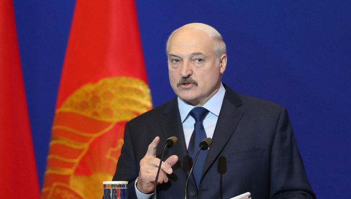 """Лукашенко заявил, что белорусы """"вымирают как мужики"""""""