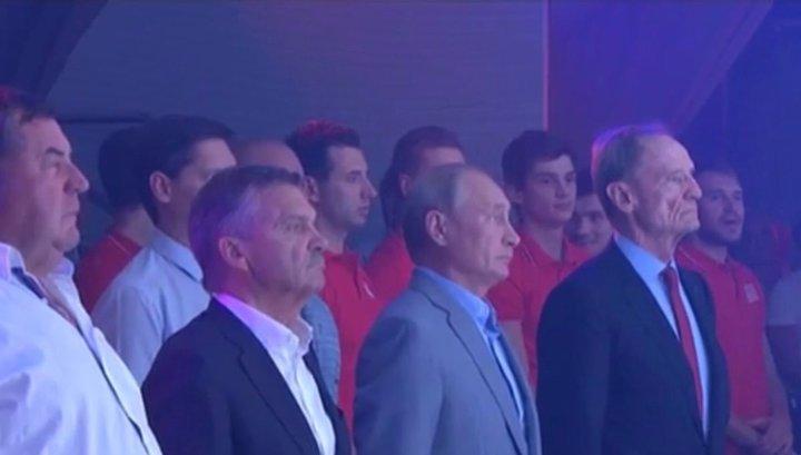 "Путин посетил турнир по боевому самбо ""Плотформа S-70"""