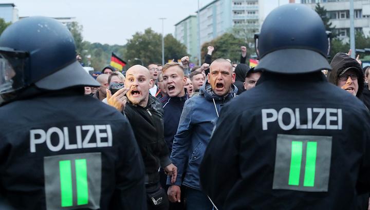 В Хемнице ранены 15 демонстрантов и трое полицейских