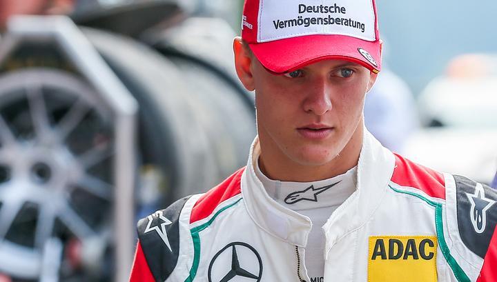 Команда Ferrari подписала контракт с сыном Шумахера