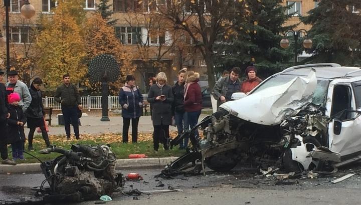 Кроссовер лишился двигателя после столкновения с автобусом в Серпухове