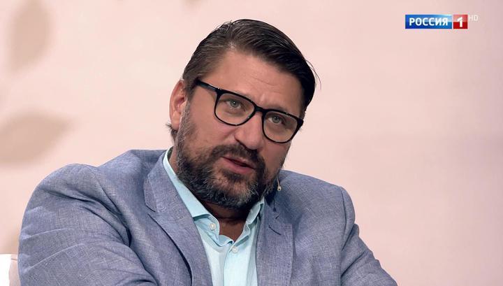 Три штампа о разводе и пятеро детей: Виктор Логинов признался, чего боится в браке