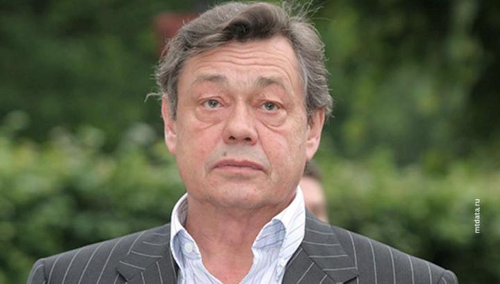 Николая Караченцова проводили продолжительными аплодисментами