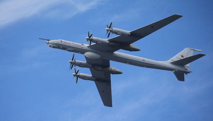 Минобороны РФ прокомментировало полет Ту-142 над Норвежским морем