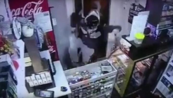 В Краснодаре налетчик избил продавщицу и ограбил кофейню