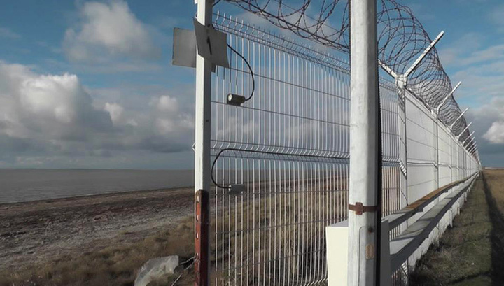 Крымская стена: Украине все равно, но ноту протеста направит