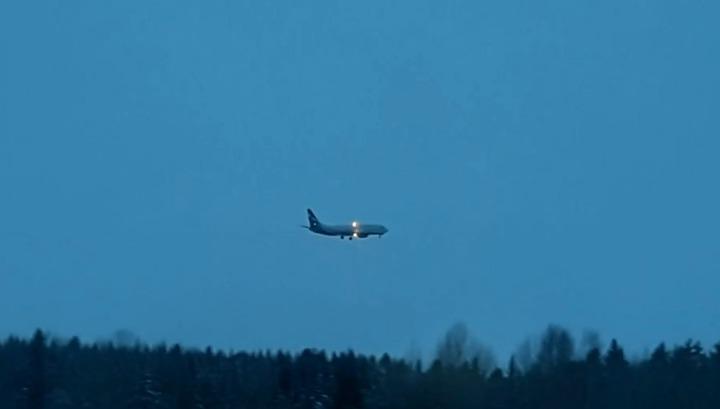 Утечка топлива: самолет из Екатеринбурга пришлось сажать в Ханты-Мансийске