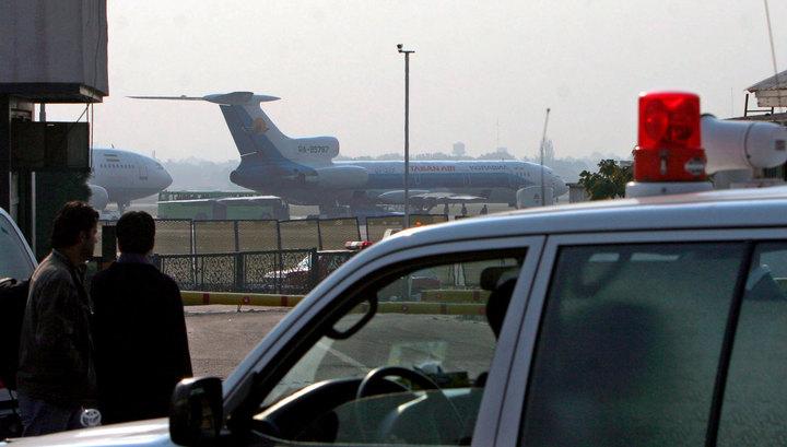 В аэропорту Тегерана горит самолет с пассажирами